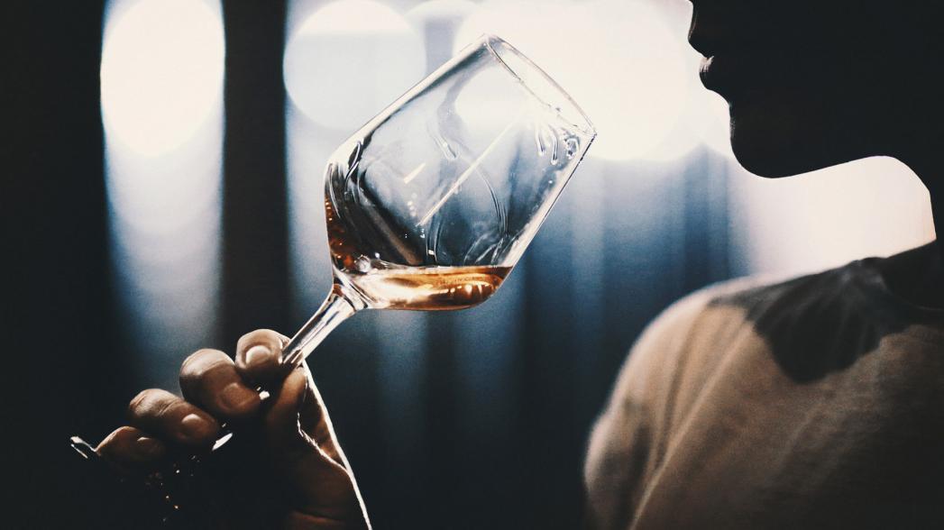 5000 случаев смерти от рака, вызванного употреблением алкоголя, можно предотвращать ежегодно, удвоив налоги на спиртные напитки в Европейском регионе, считает ЕРБ ВОЗ